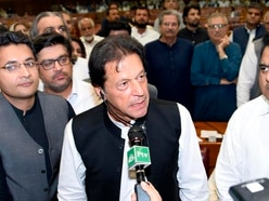 Imran Khan sworn in as Pakistan's prime minister