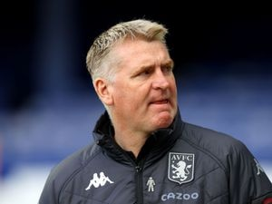"""Aston Villa manager Dean Smith during the Premier League match at Goodison Park, Liverpool. Issue date: Saturday May 1, 2021. PA Photo. See PA story SOCCER Everton. Photo credit should read: Naomi Baker/PA Wire. RESTRICTIONS: EDITORIAL USE ONLY No use with unauthorised audio, video, data, fixture lists, club/league logos or """"live"""" services. Online in-match use limited to 120 images, no video emulation. No use in betting, games or single club/league/player publications."""