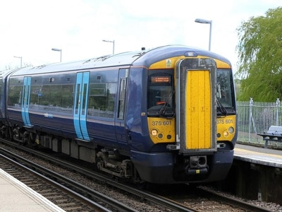 Southeastern and GWR handed new contracts to continue operating train services