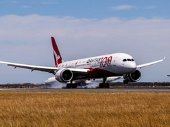 Qantas jet lands in Sydney after non-stop flight from London