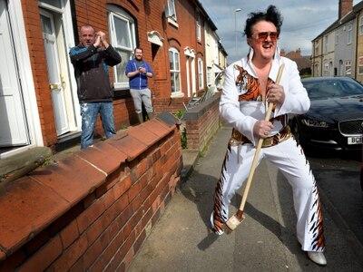 Yam Yam Elvis brings cheer to Willenhall
