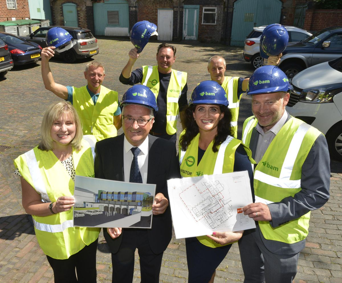 Pictured front, L-R: Sarah Ricketts, Senior Quantity Surveyor, Bamm Construction, Cyril Barrett from the former Goodyear Workers, Compton Care Chief Executive Claire Marshall and David Barr, Bamm Construction along with back, L-R: Barry Malia, Roy Dudley and Mark Jenkins at the announcement of the contractor for the new centre