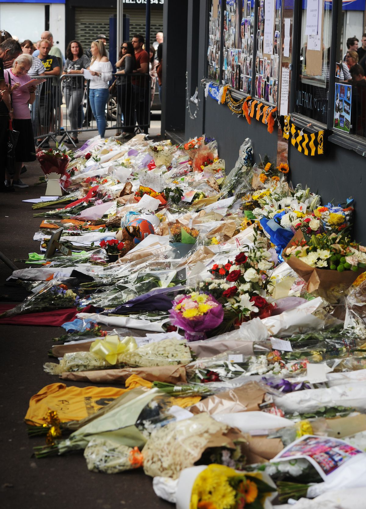 Tributes for Ryan outside Chicago's