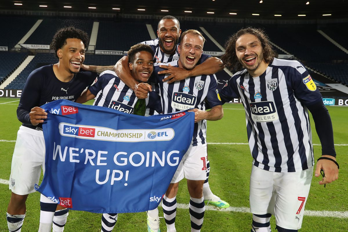 Matheus Pereira of West Bromwich Albion, Grady Diangana of West Bromwich Albion, Matt Phillips of West Bromwich Albion, Kamil Grosicki of West Bromwich Albion and Filip Krovinovic of West Bromwich Albion celebrate promotion to the Premier League on the pitch at the end of the match. (AMA)