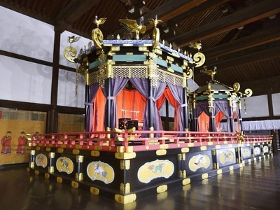 Japanese imperial throne taken apart and moved to Tokyo ahead of 2019 coronation
