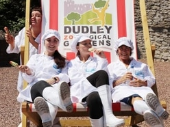 Ladies' Day: Cast of Wolverhampton Grand show visit Dudley Zoo