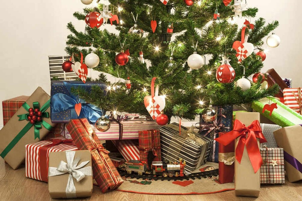 but of course the most important feature of all is the christmas tree - Best Place To Buy A Christmas Tree