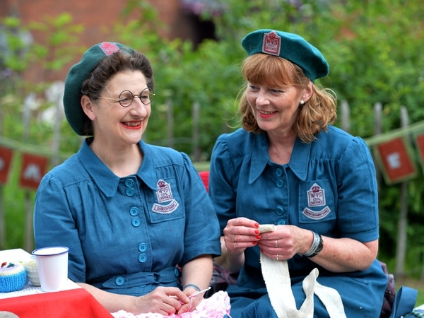 Thousands head to Black Country Museum for 1940s weekend - with pictures and video