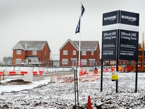 WOLVERHAMPTON PIC  / DAVID HAMILTON PIC / EXPRESS AND STAR PIC 8/01/21  Progress being made on new homes being built, at Bilbrook Mill, Bilbrook, Wolverhampton..
