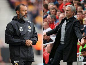 Jose Mourinho and Nuno on the touchline. (AMA)