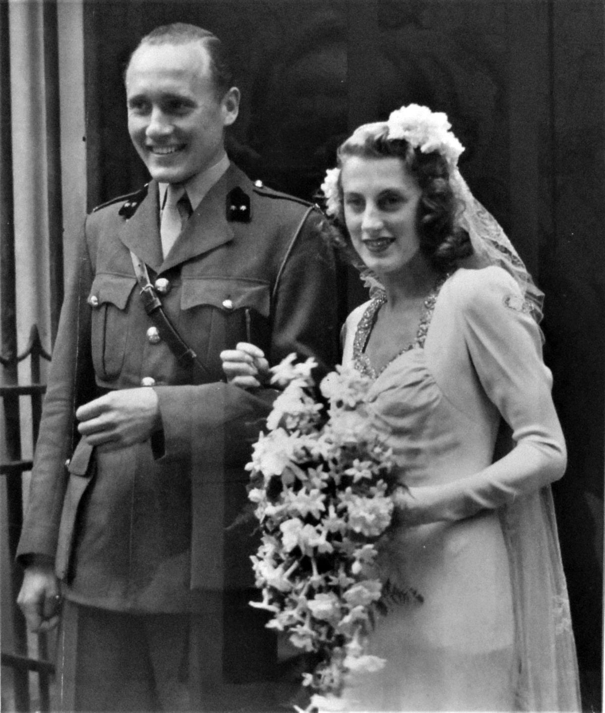 Robbert and Pat's wartime marriage in London, 1943.