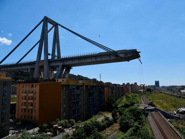 Genoa bridge collapse prompts state of emergency