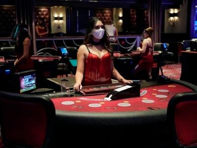 Las Vegas reopens its doors to gamblers following Covid-19 lockdown