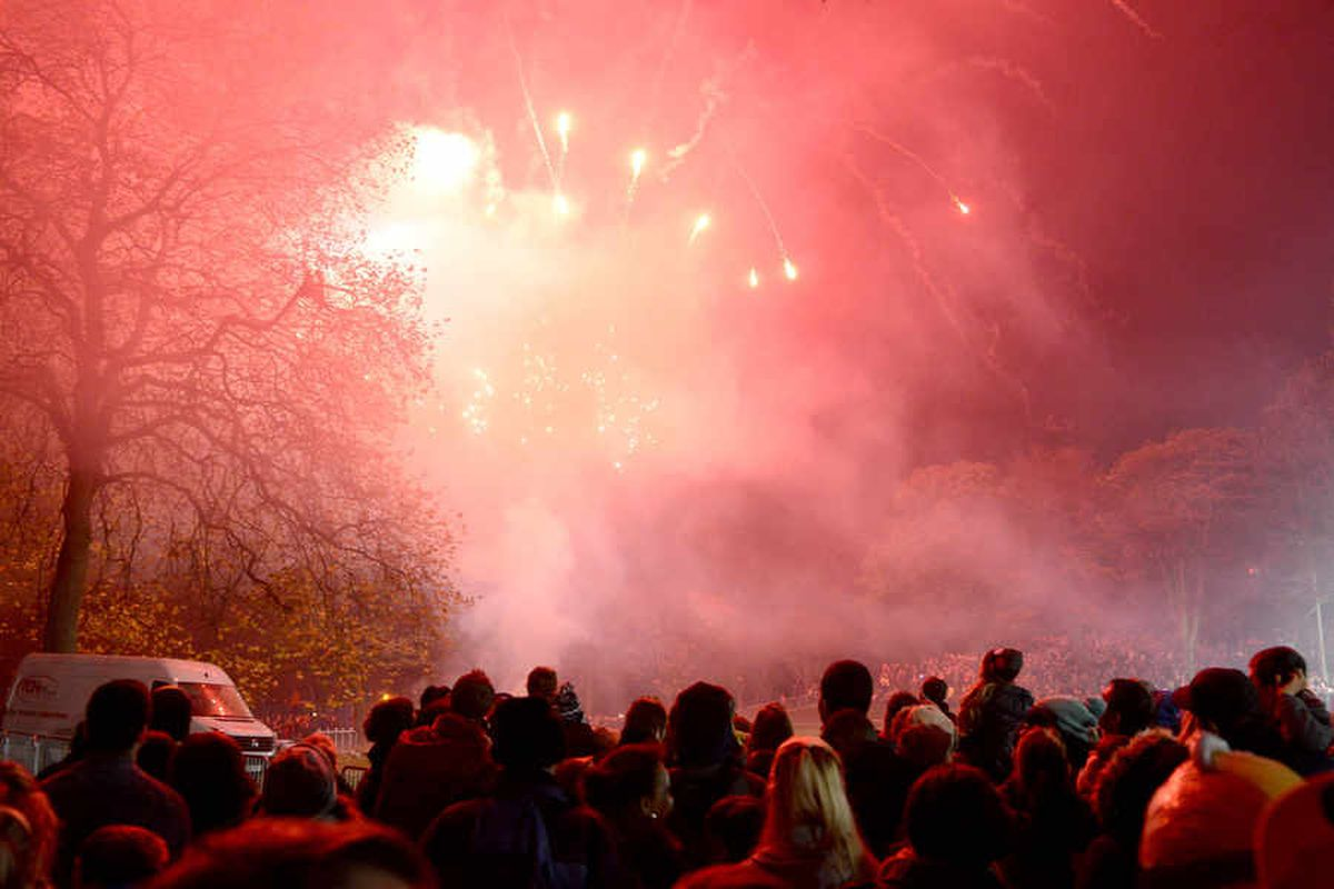 Wednesbury bonfire axed as crowds too big