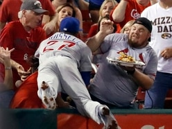 This baseball player spilled a fan's nachos and what he did next is super cool