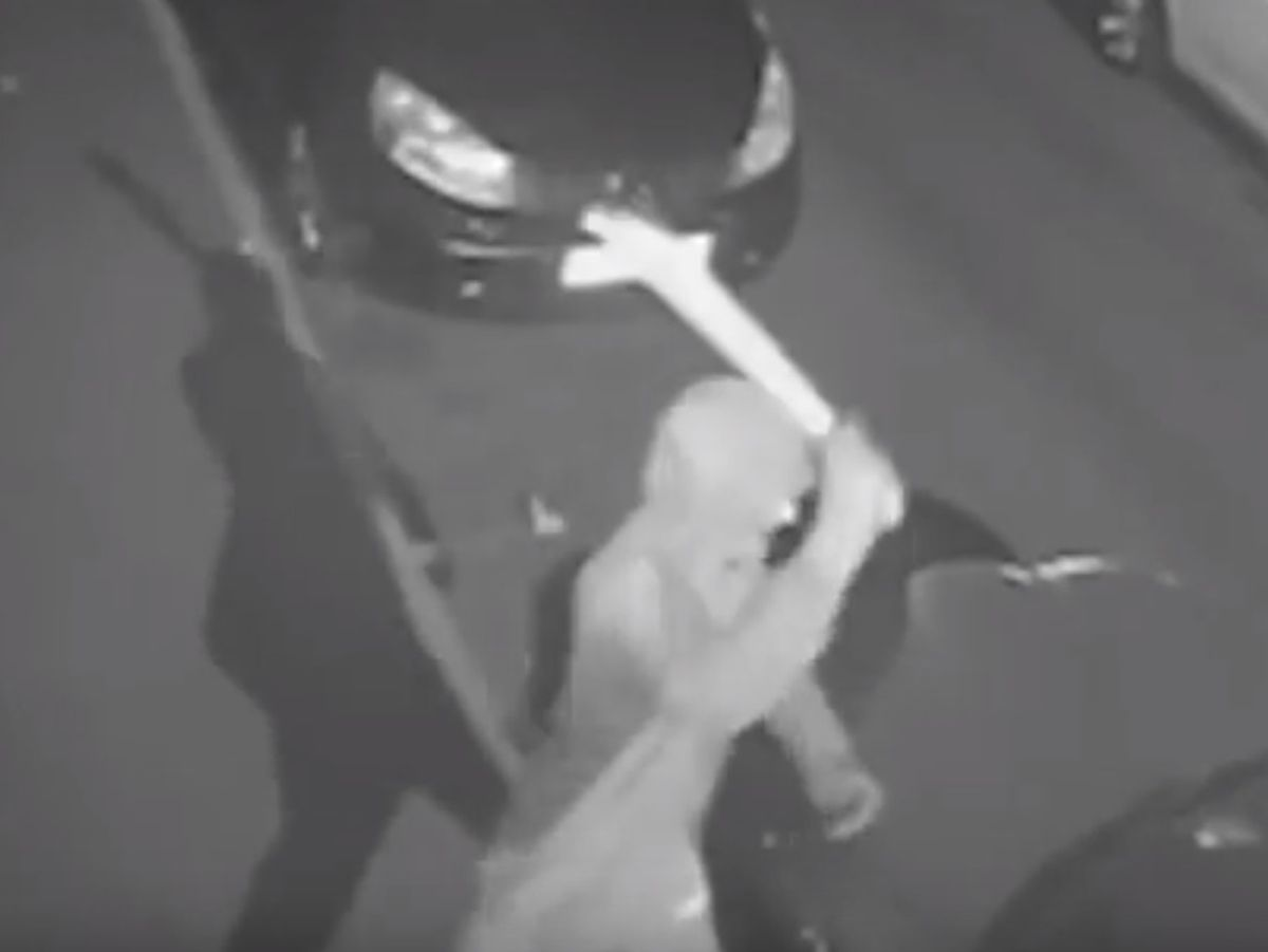CCTV shows a man with a machete attacking cars in Walsall