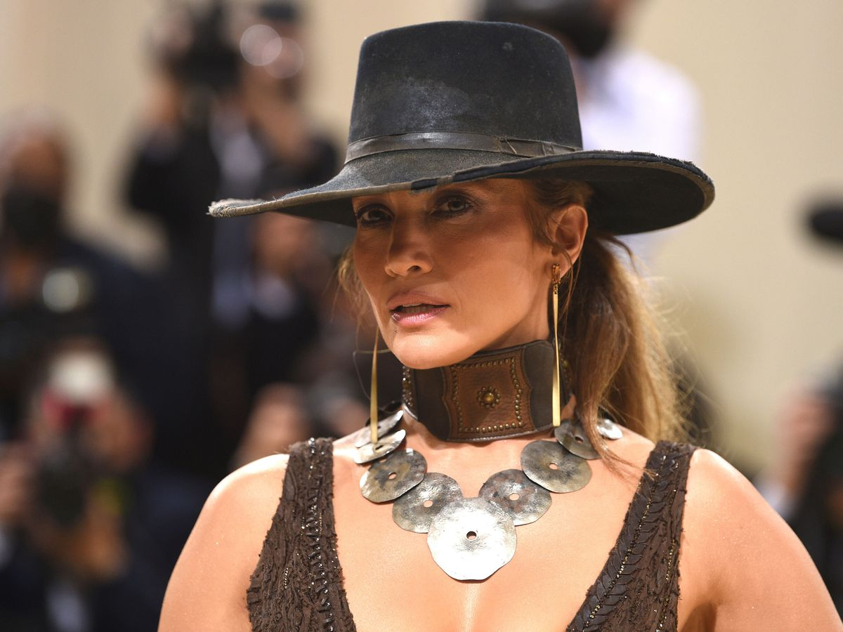 Jennifer Lopez arrives at the Met Gala