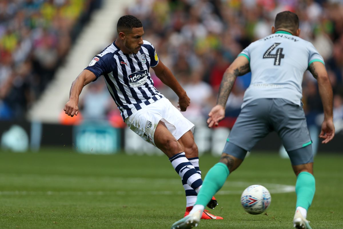 Jake Livermore of West Bromwich Albion scores a goal to make it 2-1. (AMA)