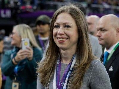Chelsea Clinton announces pregnancy