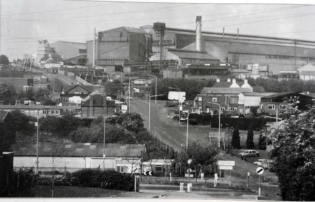 Round Oak steel works pictured shortly before its closure in 1982