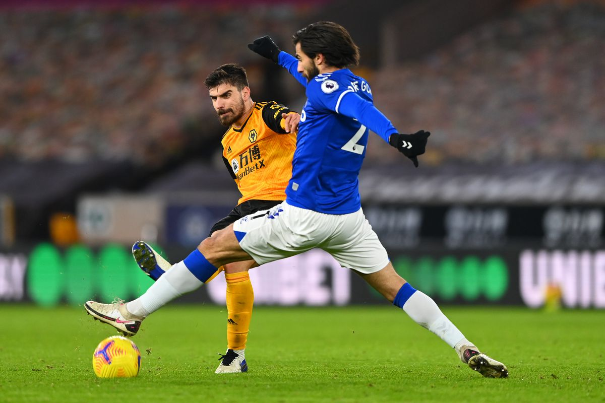 Ruben Neves of Wolverhampton Wanderers and Andre Gomes of Everton (AMA)