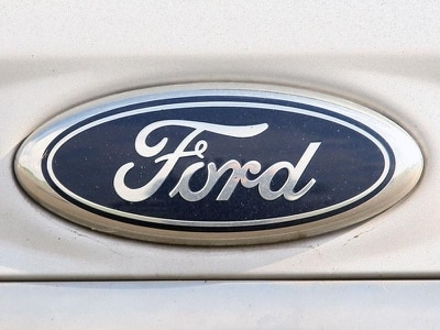 Hard Brexit a significant threat to UK motor industry, warns Ford chief