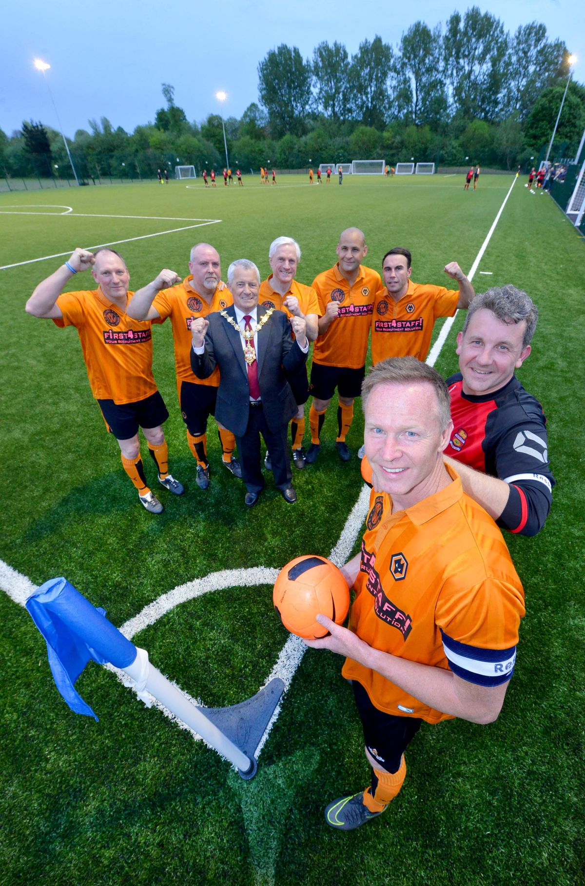 At the front are captains: Jody Craddock and Dudley's: Pete Thompson. Then at the back is Mayor: Dave Tyler and Wolves players: Paul Jones, Colin Taylor, Mel Eves, Nigel Quasie and Shane Taylor