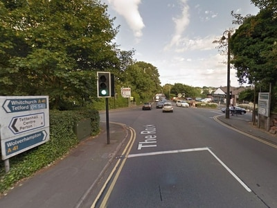 Gas work causes delays on A41 Tettenhall Road
