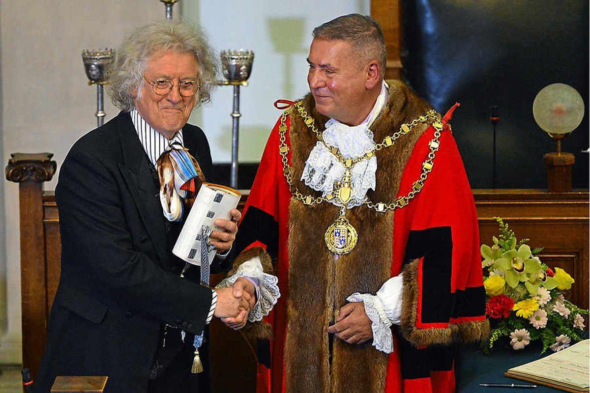 Walsall freeman honour for Slade's Noddy Holder