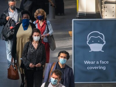 Shapps beefs up enforcement powers to ensure passengers wear face coverings