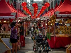 British expats criticise Government advice to leave China