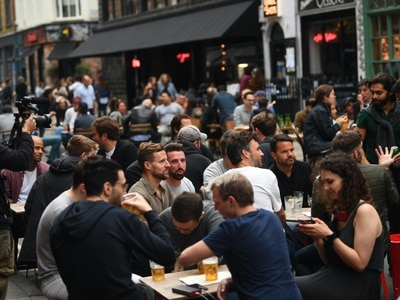 'Crystal clear' drinkers will not adhere to social distancing rules