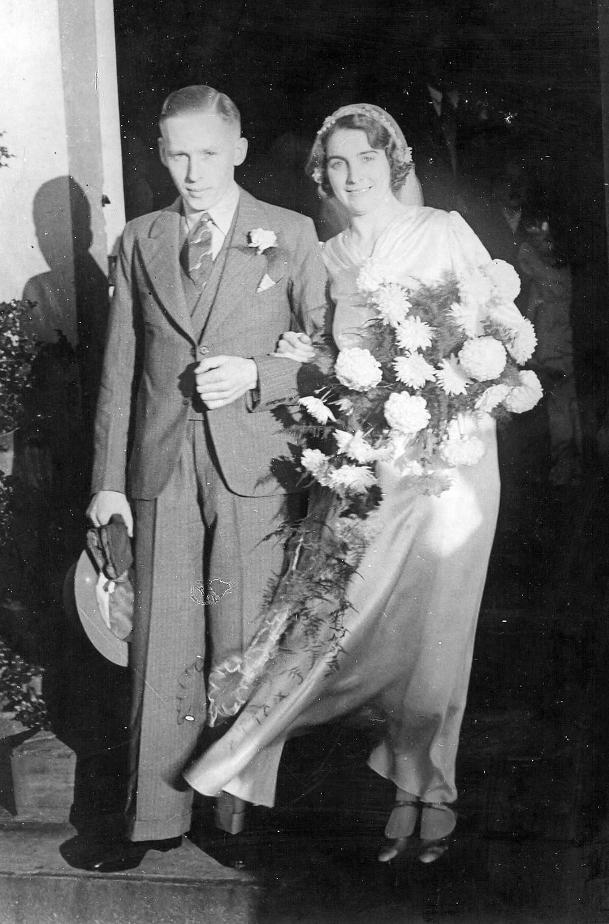 Marriage to Stan at Stambermill Church on November 14, 1936