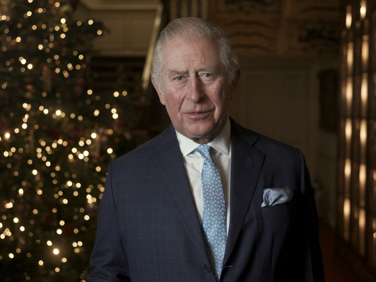 Prince Charles, Camilla & celebs record 'Twas the Night Before Christmas