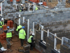 Services and construction industry to hold back third-quarter economic growth