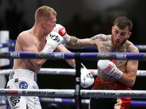 Sam Eggington v Ted Cheeseman (Picture By Mark Robinson)