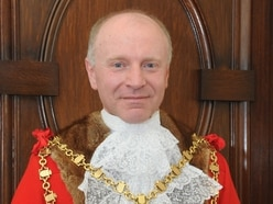 Walsall Council: Mayor's controversial casting vote puts Tories on brink of control