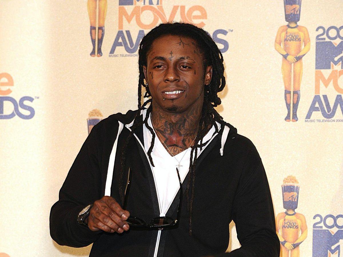 Rapper Lil Wayne pleads guilty to having gun in South Florida