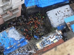 10 dead as building collapses in Mumbai
