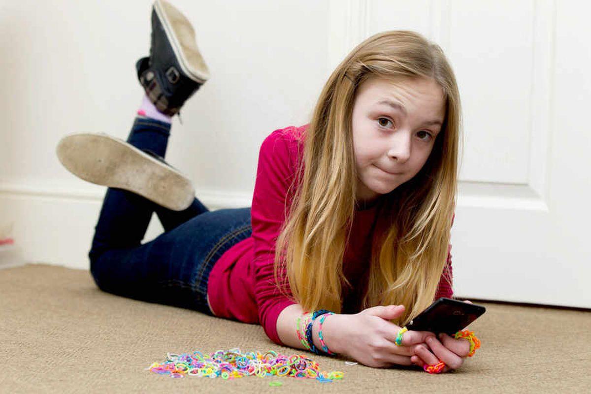 10-year-old runs up £1,792 phone bill downloading loom band videos