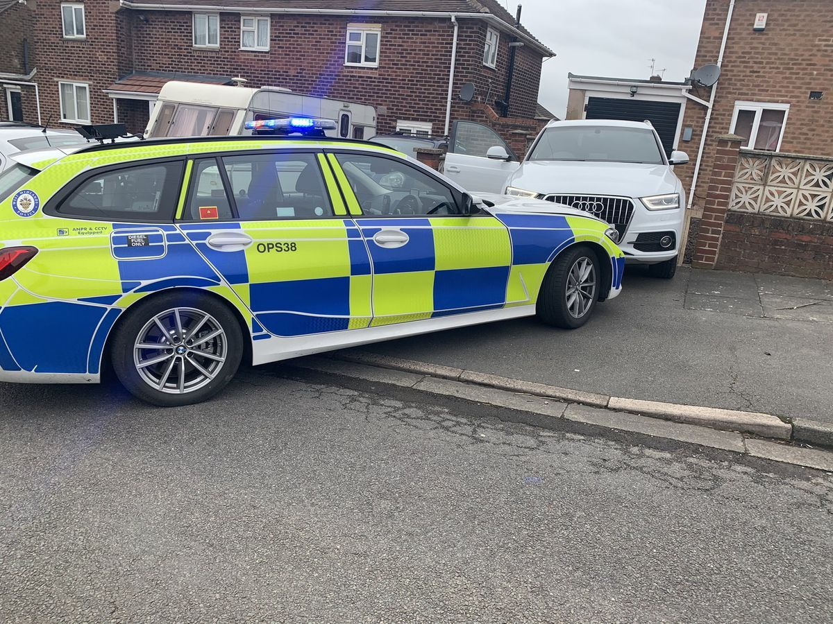 Edmunds reversed onto a driveway before trying to ram the police car