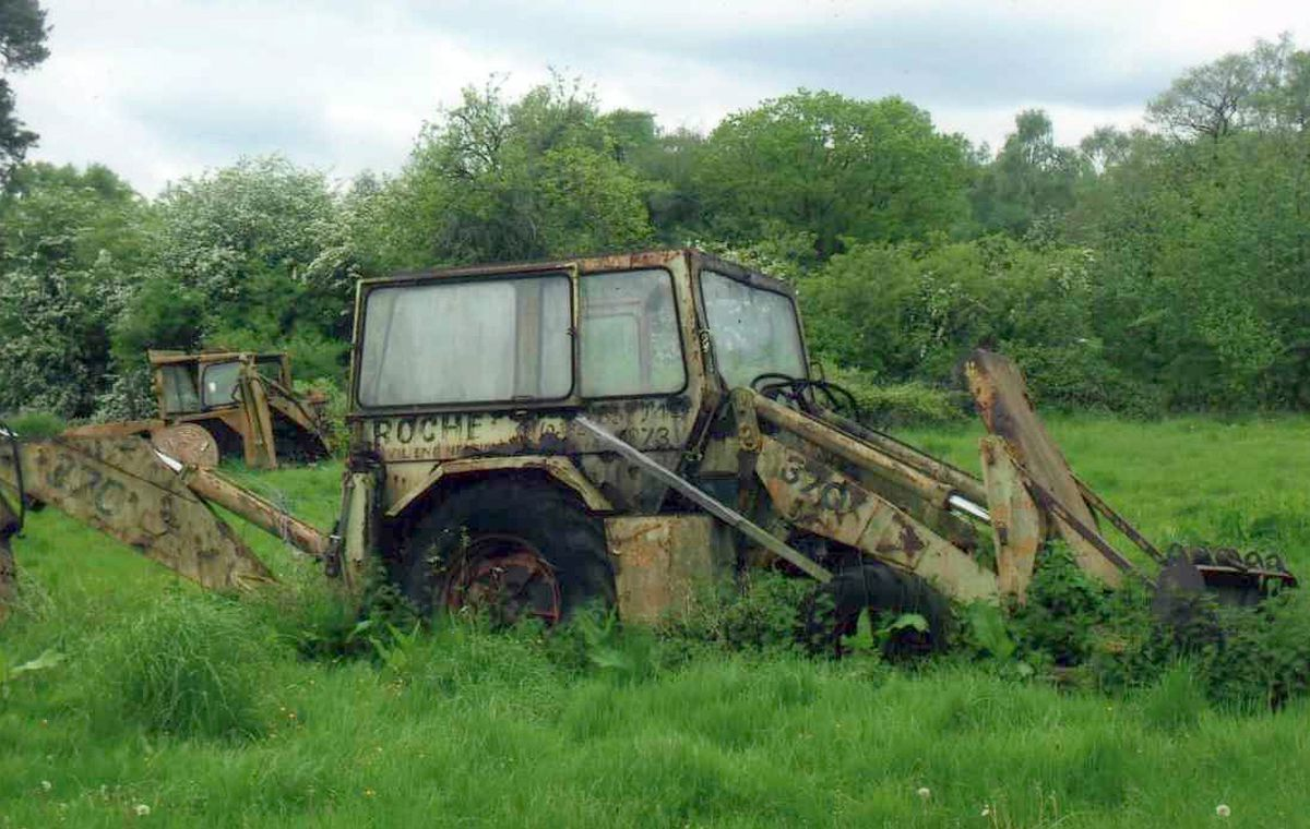 David says he came across this lonely and forgotten Whitlock 370 digger rusting away while walking in Fenn's Moss in 2014.