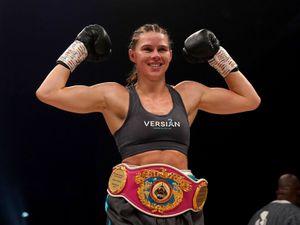Savannah Marshall celebrates victory over Lolita Muzeya