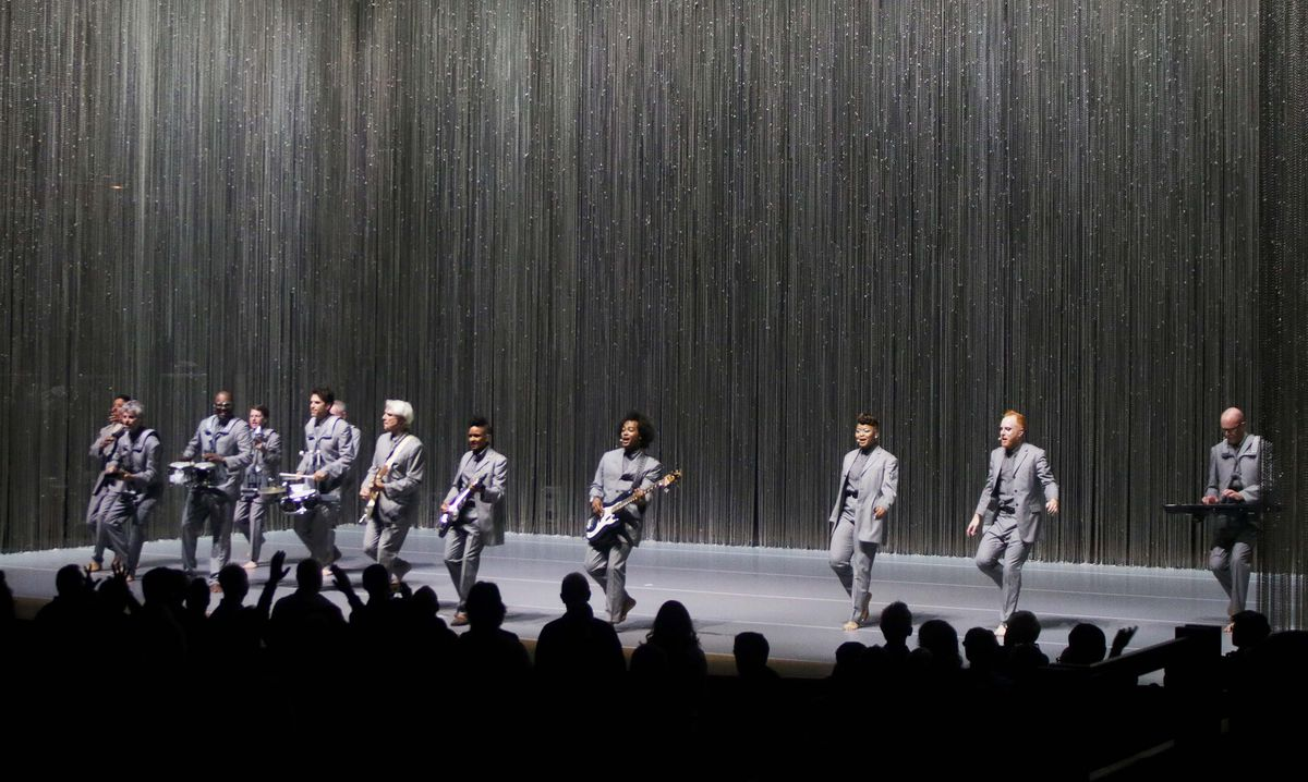 David Byrne's barefoot band in full flow. Pictures by: Andy Shaw