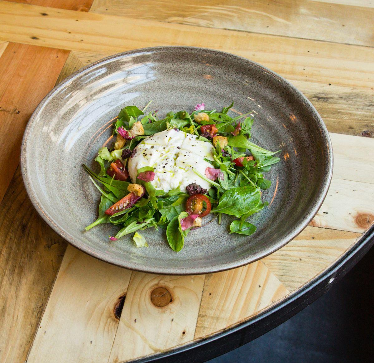 Creamy – burrata salad with heritage tomatoes