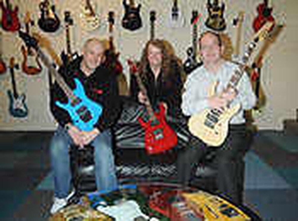 Left-hand guitar shop strings together sales   Express & Star