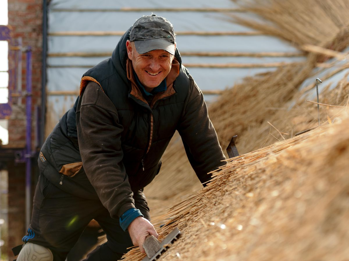 'It's done by eye': The art of thatching a roof