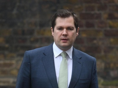 Jenrick 'complied with social distancing rules' when visiting parents – No 10