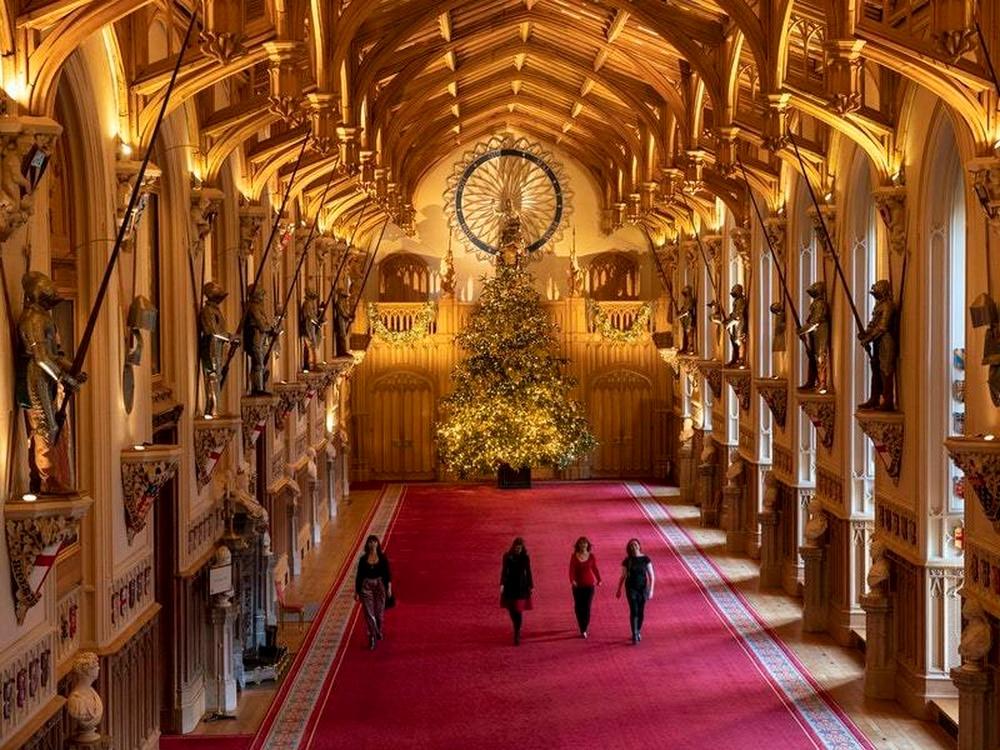 Windsor Castle's Christmas Decorations Set To Dazzle