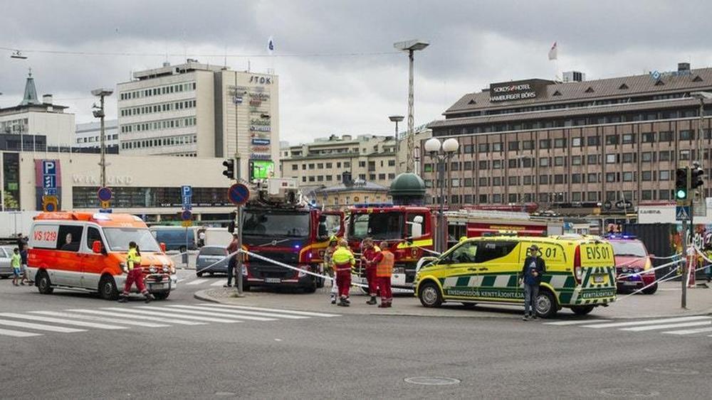 2 killed, 5 injured in Finland stabbing; suspect shot, arrested